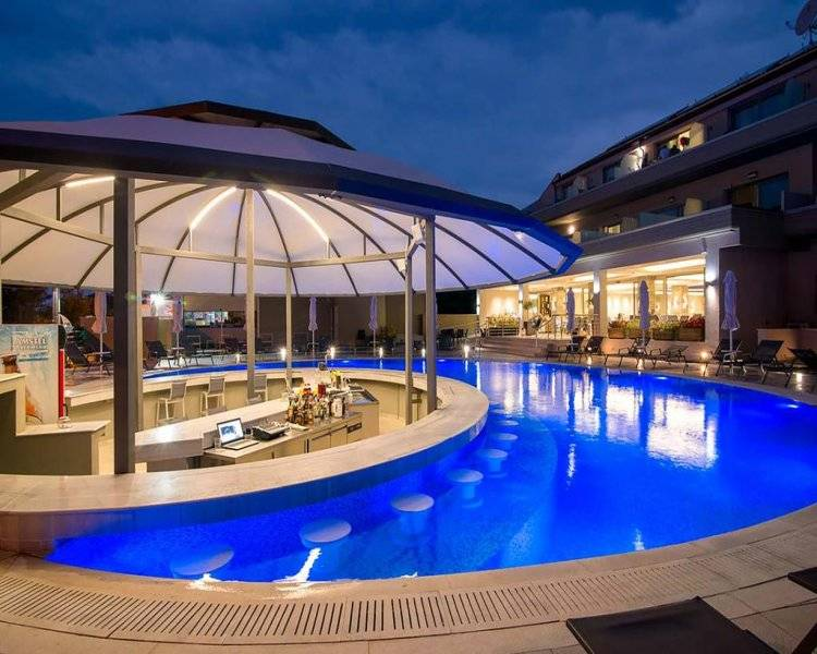 The Dome Luxury Hotel 4*